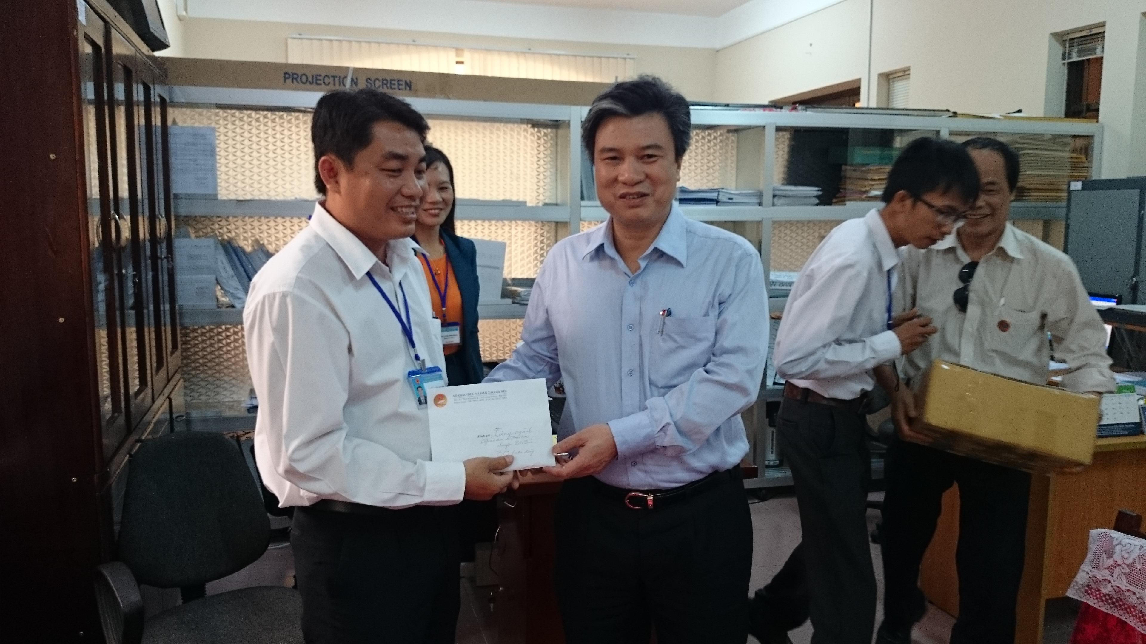 Đoàn công tác của Sở GD&ĐT Hà Nội làm việc với Sở GD&ĐT thành phố Hồ Chí Minh và Phòng GD&ĐT huyện Côn Đảo, Tỉnh Bà Rịa - Vũng Tàu