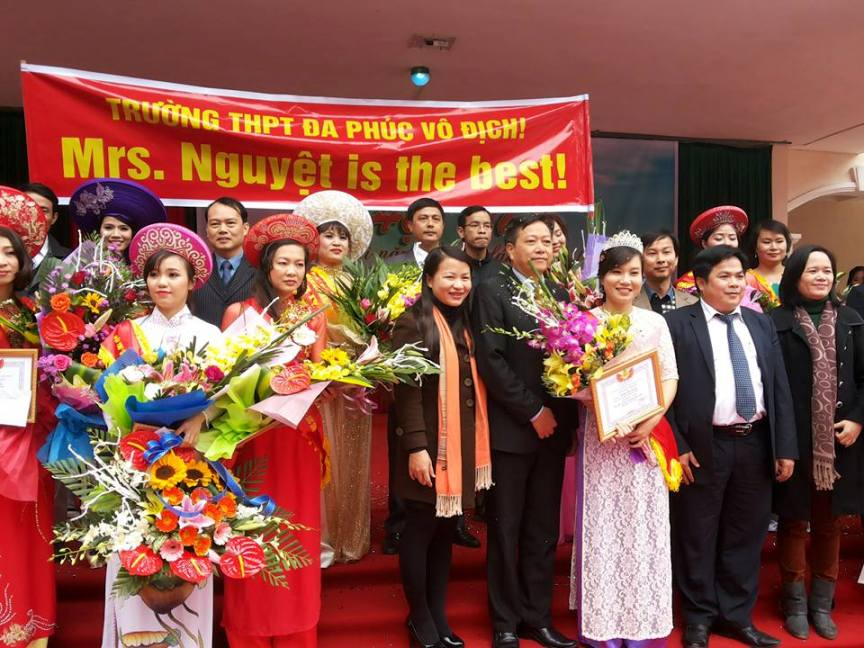"""Cụm trường THPT huyện Mê Linh - Sóc Sơn tổ chức Hội thi """"Cô giáo tài năng duyên dáng"""" năm học 2015-2016."""
